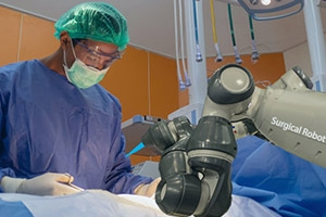 The Benefits of Robotics in Hip Replacement Surgery